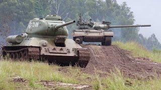 T-34 vs T-55 (Bahna 2015 - Czech Army Show)