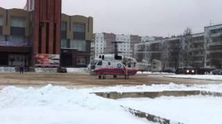 Взлет вертолета с площади г.Тосно 19 января 2012