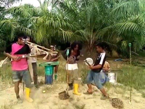 lagu alam duit !!! di nyanyikan sangat Lucu Gokil Rugi Gag Nonton