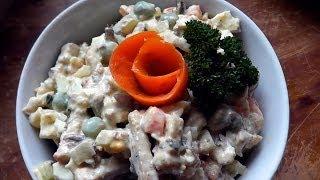 Салат с сухариками, со шпротами, с яйцами, горошком