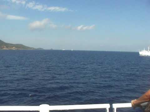 Traghetto Toremar per Rio Marina a circa 700 metri 1o