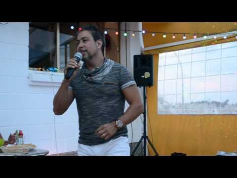 Kingston Town - Roberto The Voice