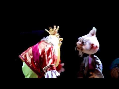 Спектакль «Чиполлино» в Московском театре кукол...