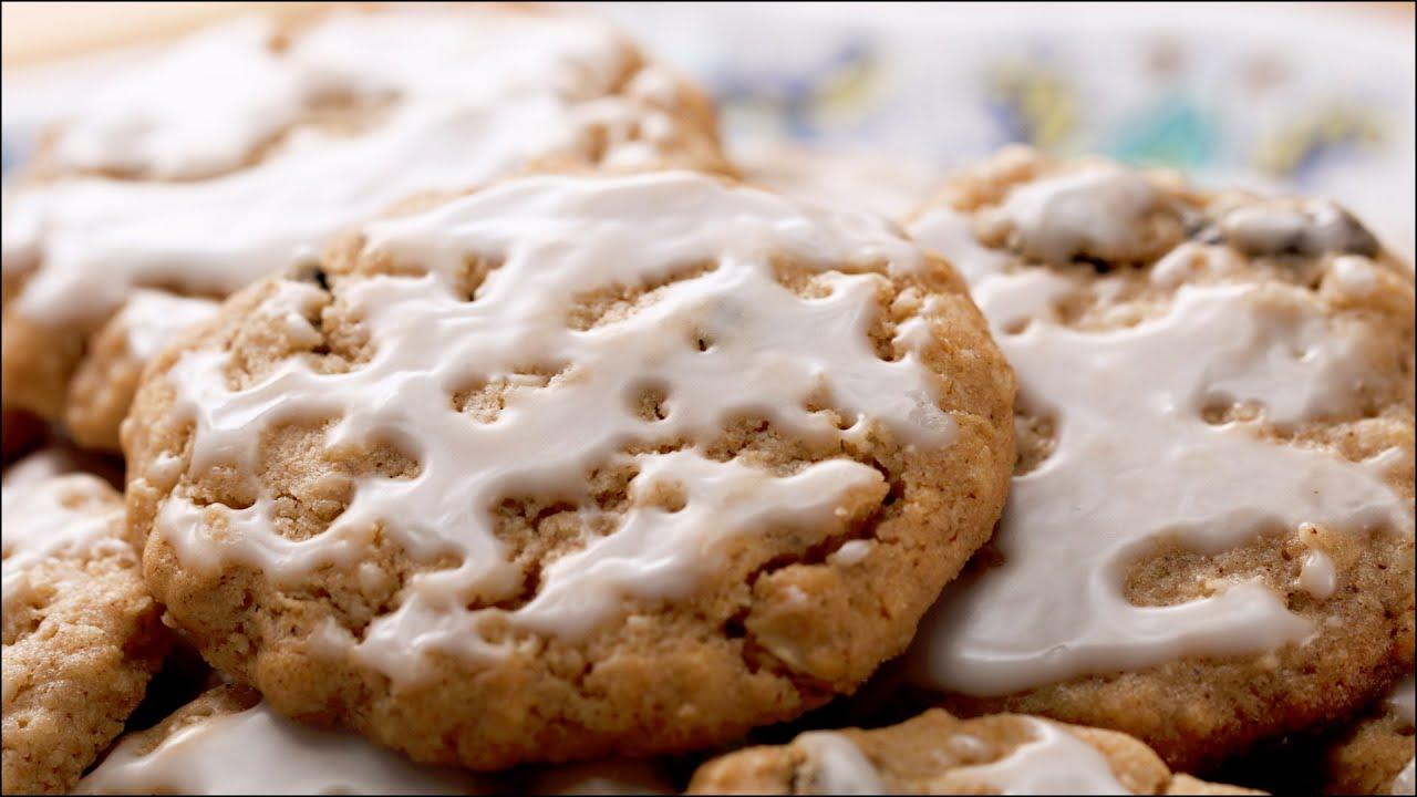 maxresdefault - Iced Oatmeal Cookies