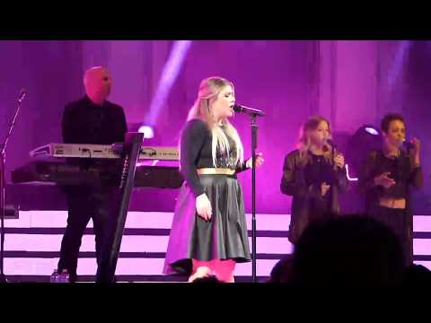 Kelly Clarkson ~ Because Of You ~ Plexus Believe ~ MGM Grand Arena ~ 06/01/2017
