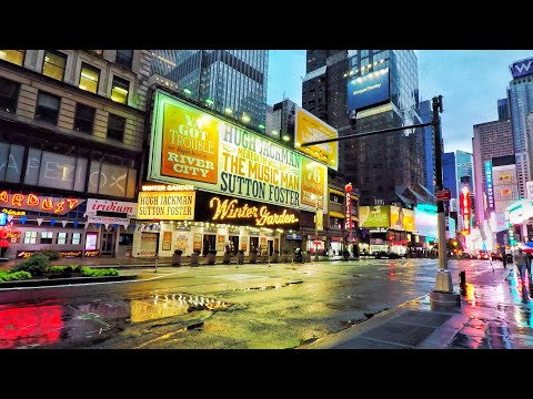 ⁴ᴷ⁶⁰ Walking Madison Avenue New York City via Broadway & Times Square in the Rain (October 16, 2020)