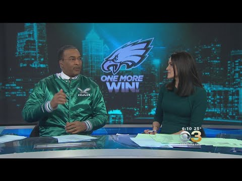 Ukee Washington, Nicole Brewer Sing 'Fly Eagles Fly'