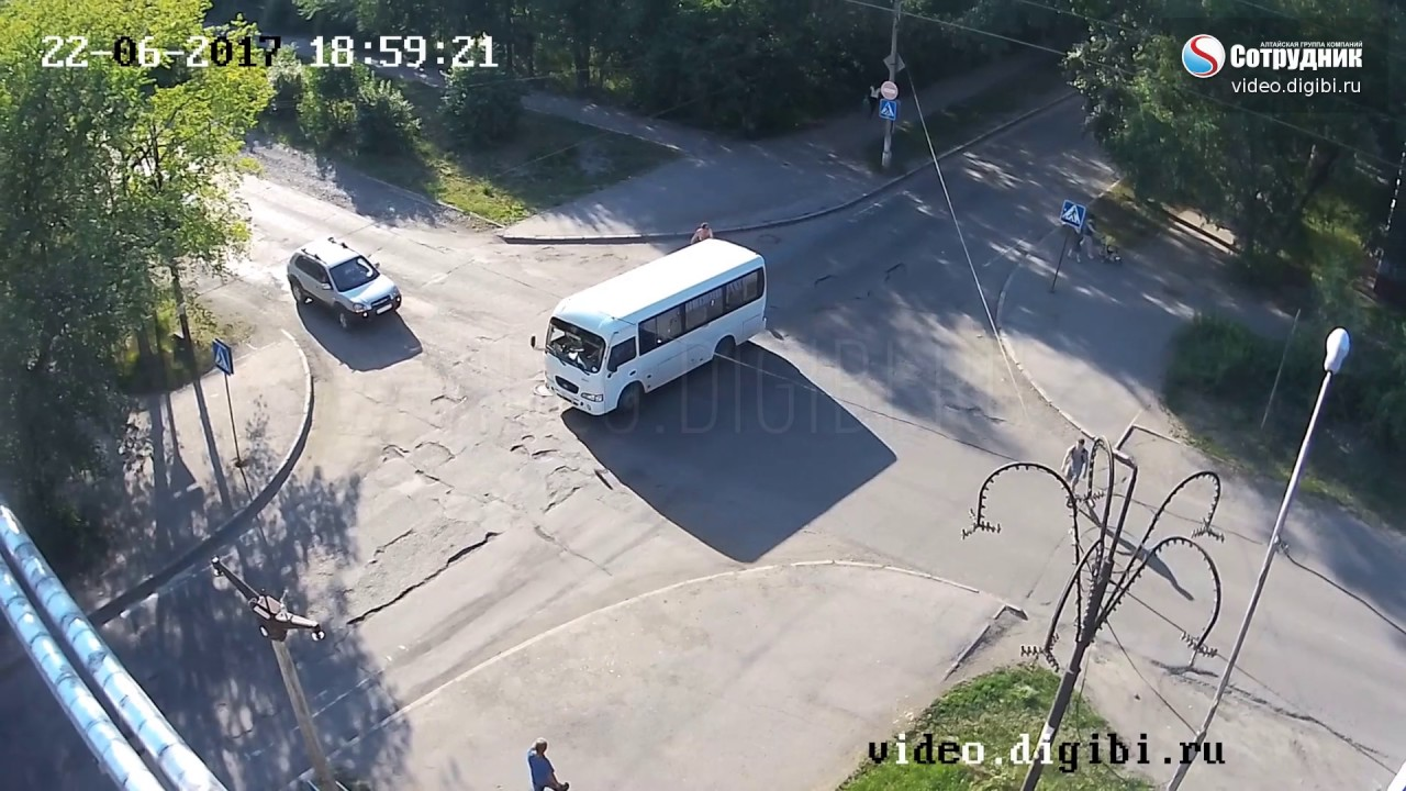 ДТП на перекрестке ул. Разина - Ленинградская 22.06.17