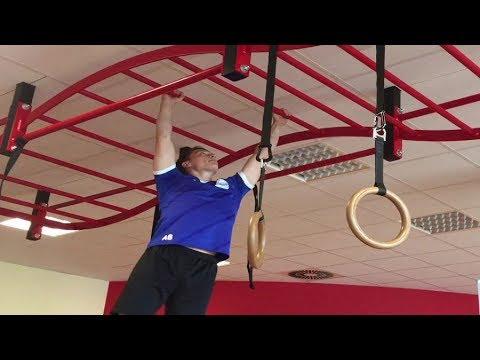 Klettergerüst Hangeln : Hangeln im klettergerüst 2 youtube