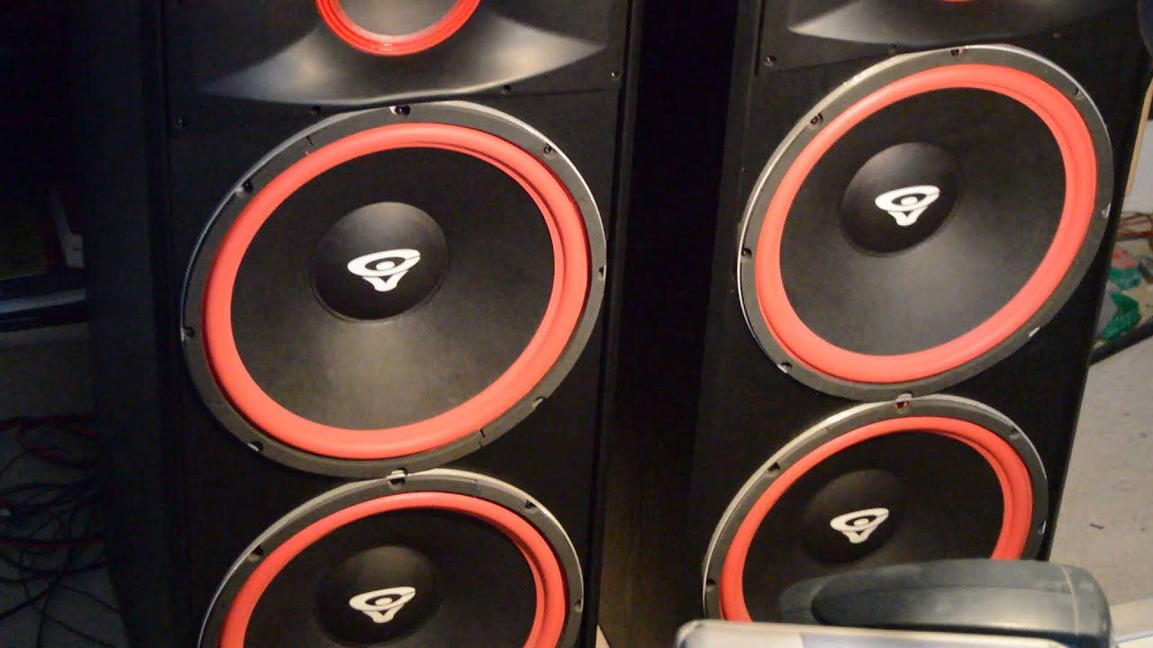 Cerwin-Vega XLS-215 playing Twerk It Like Miley - with a lot of bass!