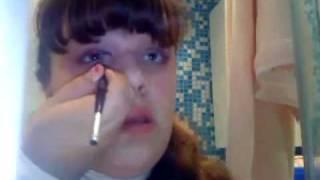 Как правильно наносить макияж.avi(, 2010-06-11T17:47:09.000Z)