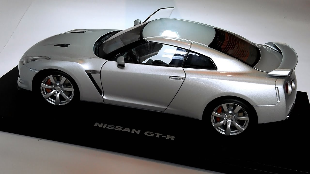 Nissan Gt R R 35 1 18 Autoart Youtube