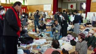 アントニオ猪木が東日本大震災の被災地を訪問。福島市いわき市の江名小...