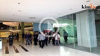 Maklumat siasatan 1MDB bocor, polis serbu pejabat SPRM