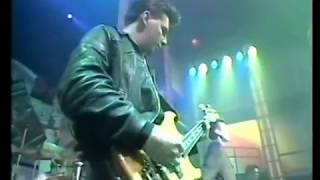 The Smiths - Sheila Take a Bow and Shoplifters of the World Unite live on the Tube 1987