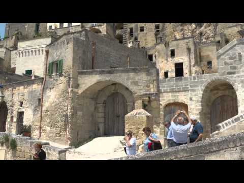 "MATERA  I SASSI patrimonio UNESCO  ""the city of the Sassi""  [HD]"
