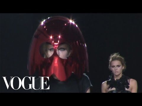 Fashion Show - Giles: Spring 2009 Ready-to-Wear