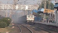 Legendary Superfast Tamil Nadu Express Honks, Rakes Dust & Majestically Speeds Past Betul, M.P !!!