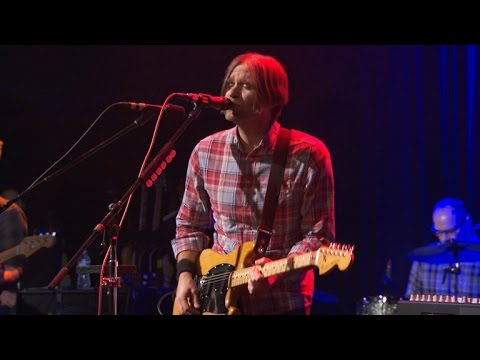 """Saturday Sessions: Death Cab For Cutie Performs """"No Room In Frame"""""""