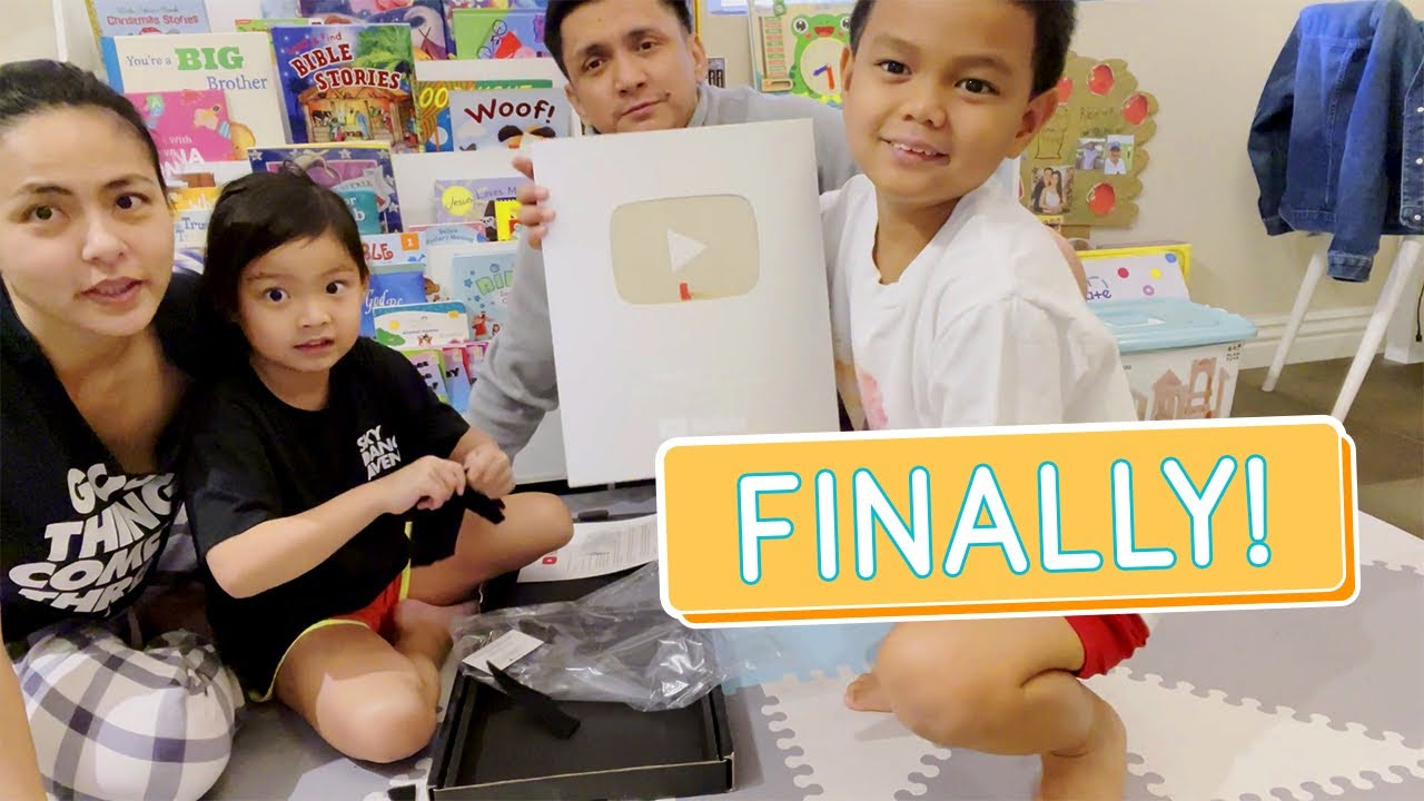 UNBOXING OUR SILVER PLAY BUTTON - Alapag Family Fun