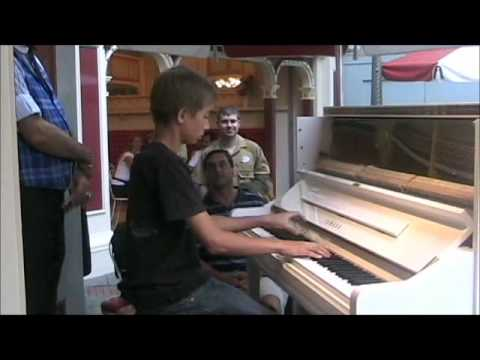 13 year old Ben plays Maple Leaf Rag @ Disneyland