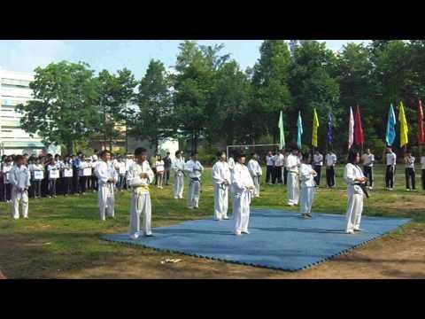 Đồng diễn quyền trên nền võ nhạc - CLB Taekwondo SPKT