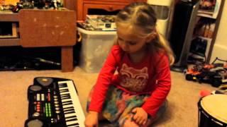 Mina sings Do Re Mi and plays keyboard
