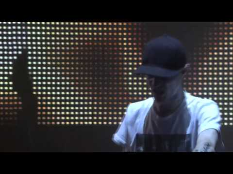 Deadmau5 - Goodbye (by chris lake and Tommy Trash) live @ ITunes Festival 2012