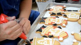 How to make Holiday Cookies - Santa Clause Shaped Cookies