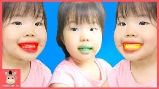 콩순이 젤리 먹고 꾸러기 유니 이 색깔 변했어요 ! 크롱 양치놀이 장난감 도와줘요♡ 뽀로로 어린이 먹방 놀이 색깔놀이 learn colors | 말이야와아이들 MariAndKids