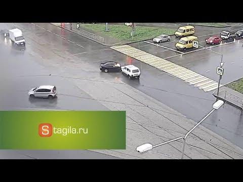 ДТП на перекрестке ул. Фрунзе и ул. Космонавтов