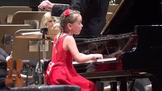 J. Haydn - Koncert pro klavír č. 11 D dur, 3.věta, Klára (7) a SČF Teplice