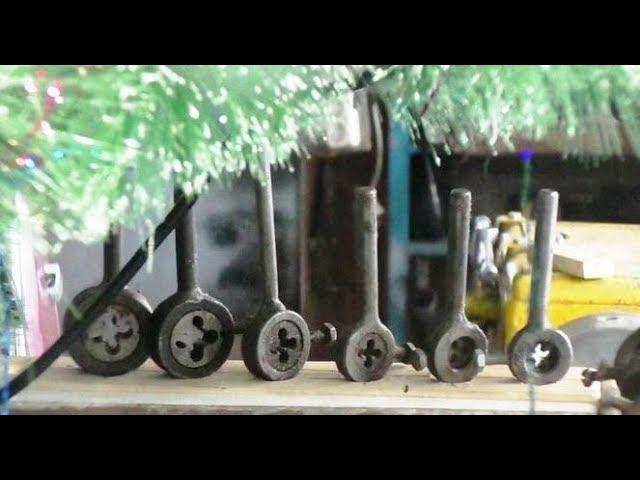 Токарная мастерская, органайзер для плашкодержателей.