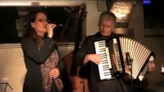 Julia Kokke Trio - Live: Zigeunerjunge, A bicyclette, Michel Legrand