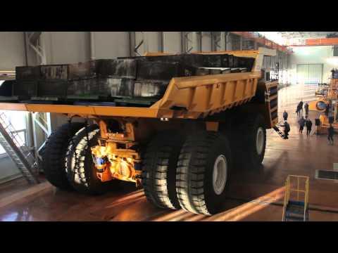 Así es el camión más grande del mundo, gigantesco y eléctrico