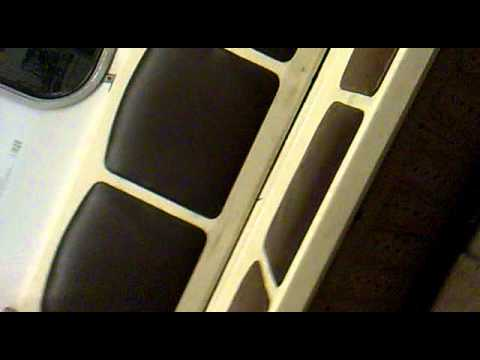 Певица в метро утром .mp4