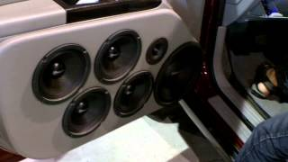 Extremely loud and clear American Bass Doors!