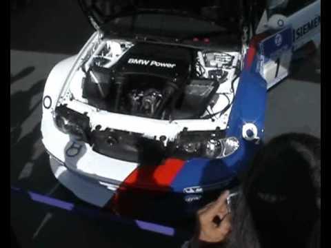 BMW M3 GTR Engine warm up - YouTube