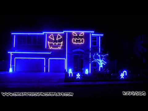 Halloween Light Show 2011 - This is Halloween (Marilyn Mansion Version)