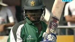 vuclip Sharjeel khan fire batting against ireland in Hong kong super sixex 2011