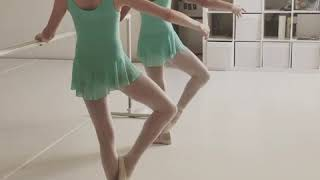 Ballet class - Frappés exercise