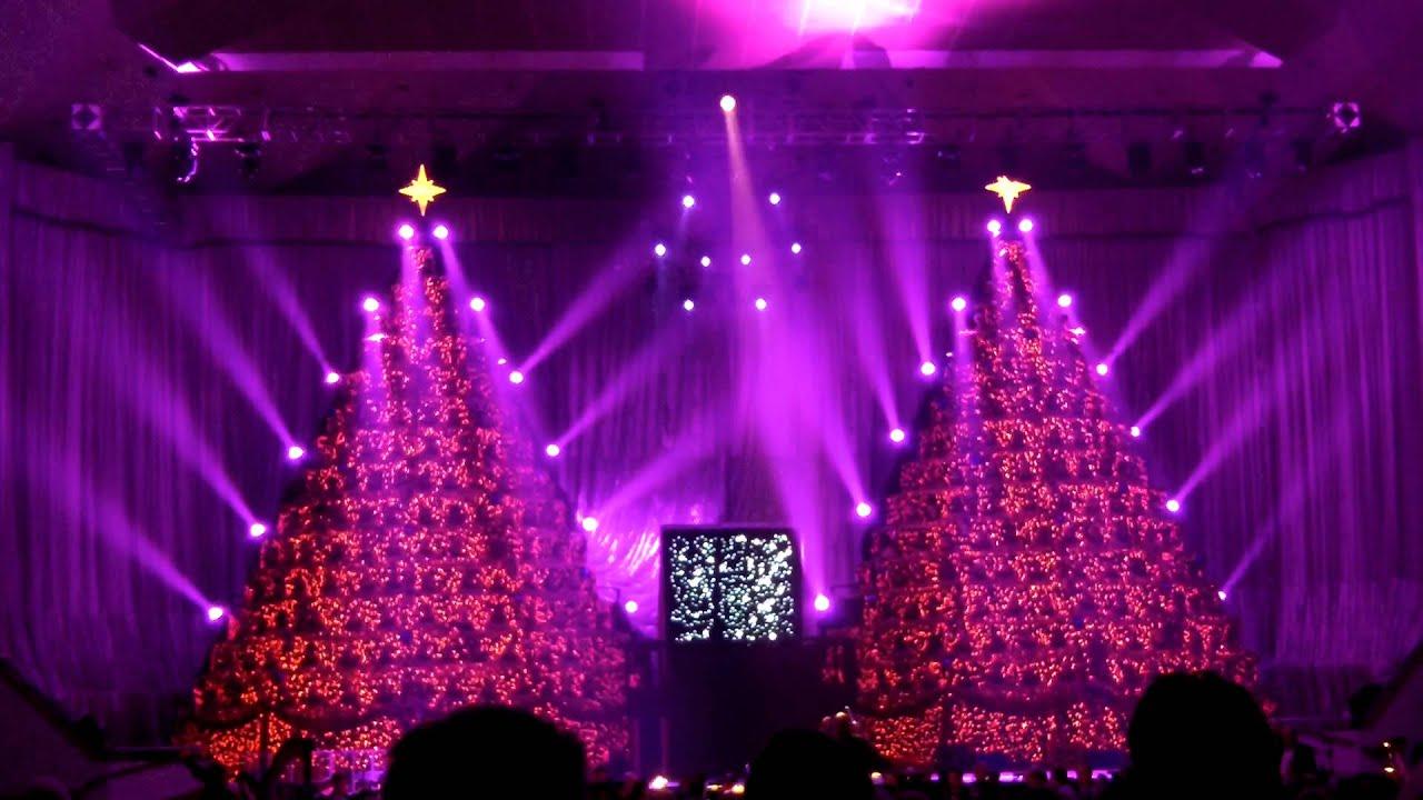 Singing Christmas Tree orlando manelson1 - YouTube