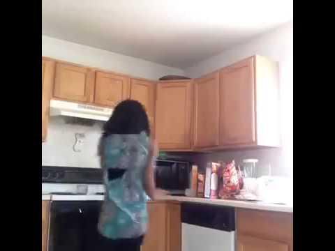 Когда женщины дома одни видео