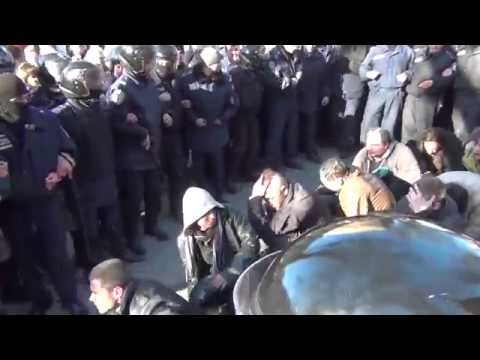 Kharkiv - Beaten militants of Right Sector crawling down the corridor of shame