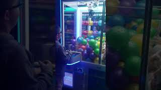 Ball claw machine review