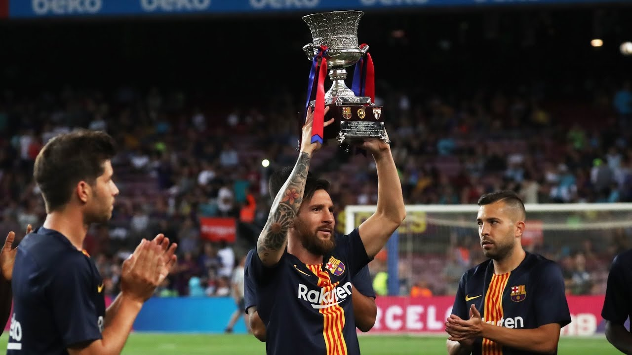 Leo Messi Leo Messi Presents The Spanish Super Cup To Camp Nou