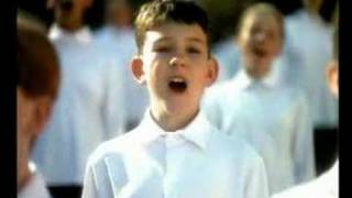 1998 Qantas TVC-Australia Home II(Australia Home II (1999/Australia) : Shortly before the 1999 Superbowl, and during other occasions, people worldwide have seen a very special Qantas ..., 2006-09-14T22:56:15.000Z)