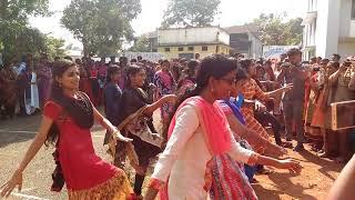Sree krishna college❤ ❤Best Flashmob ന്നു പറഞ്ഞാൽ ഇതാണ് ✌✌2017 Economics Batch conducted by Flashmob