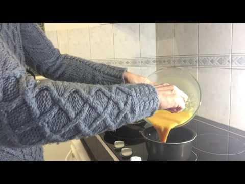 How to Make Turmeric Scrambled Eggs