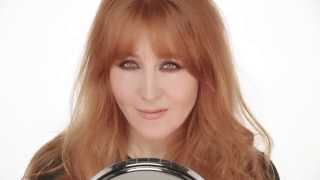 Smokey Eye 'Til I Die: Charlotte Tilbury's Signature Smokey Eye Tutorial On Herself